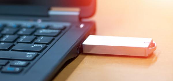 피해자거나 뜻밖의 공범(?)이거나, USB 악성코드