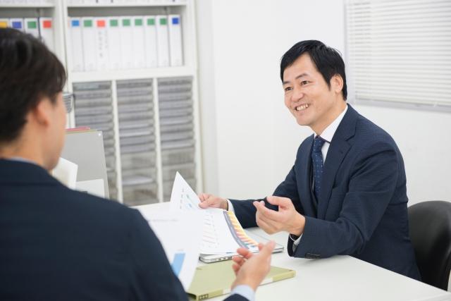 オフィスワークのビジネスマン48-640.jpg