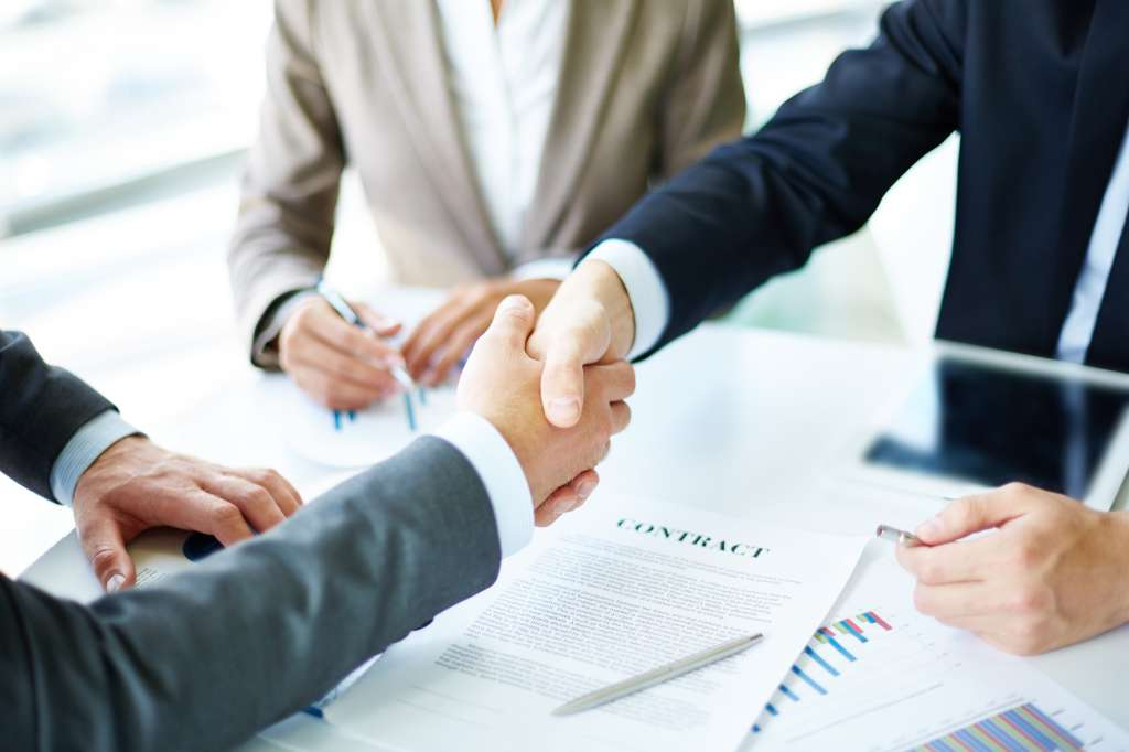 thumb_handshake-close-up-of-executives_1098-1384.jpg