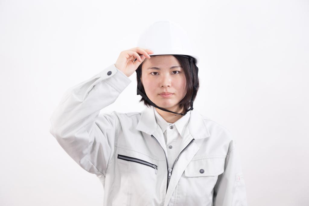 [モデル:佐竹パイナップル]頭部を守るヘルメット -1024.png
